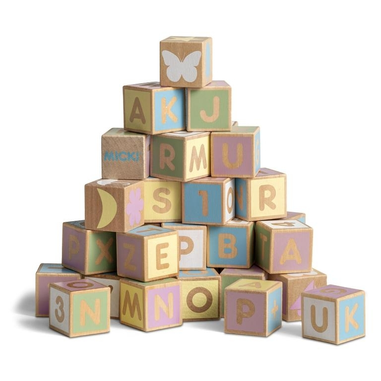 Возврат набора детских кубиков